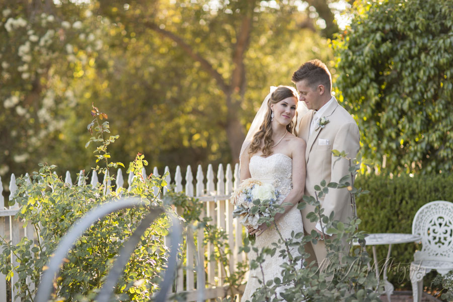 Dana Powers House wedding, bride and groom in garden with sunlight