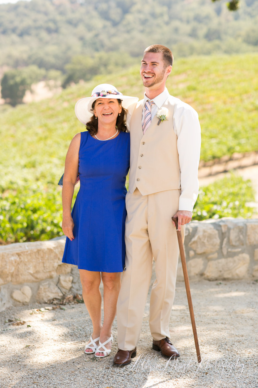 disabled veteran groom and his mama at hammersky vineyards paso robles
