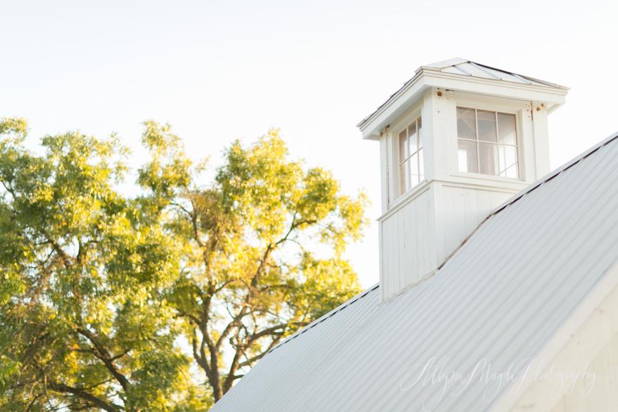 hammersky vineyards white barn