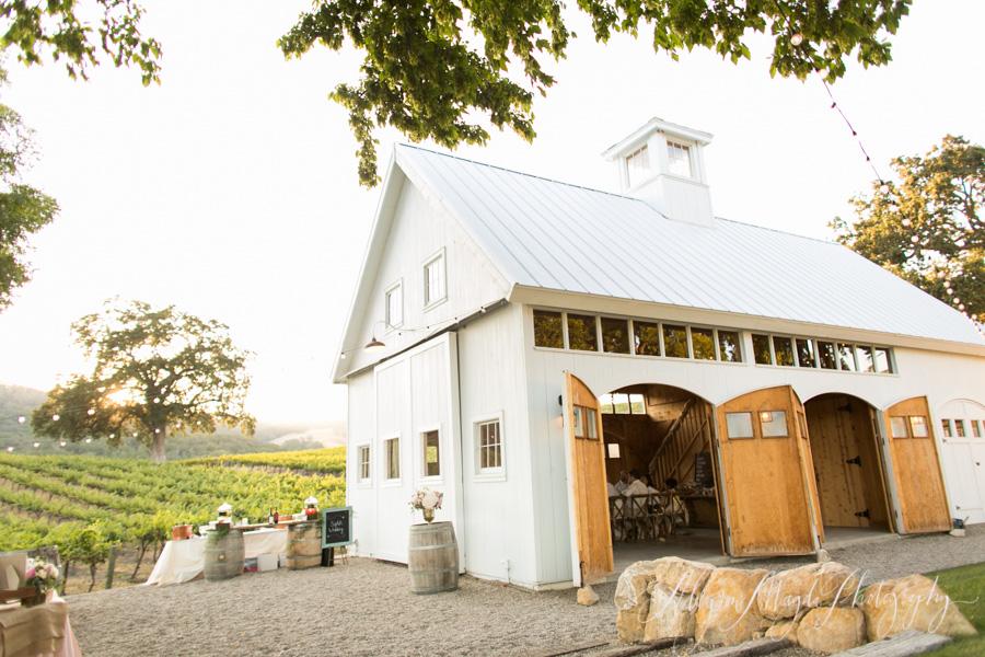 hammersky vineyards wedding barn