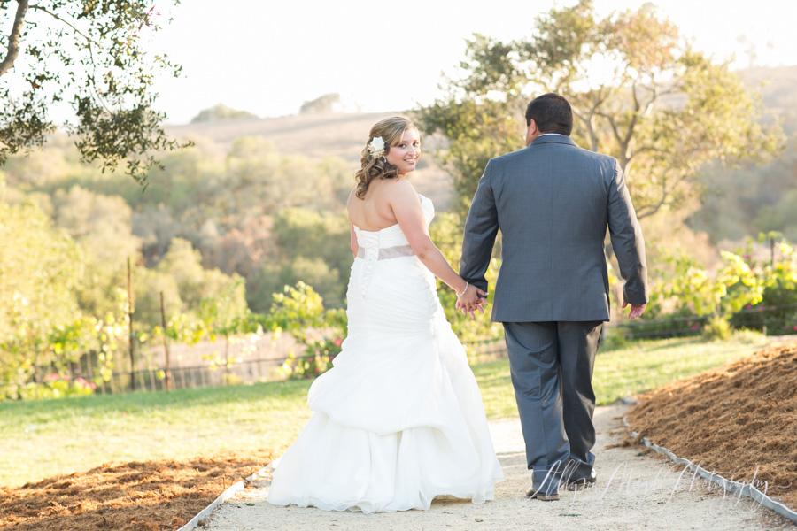 Casitas Estate, Arroyo Grande bride and groom