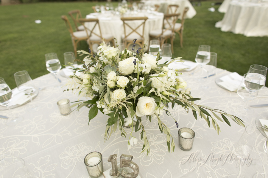 centerpieces-Sunstone-villa-winery-wedding