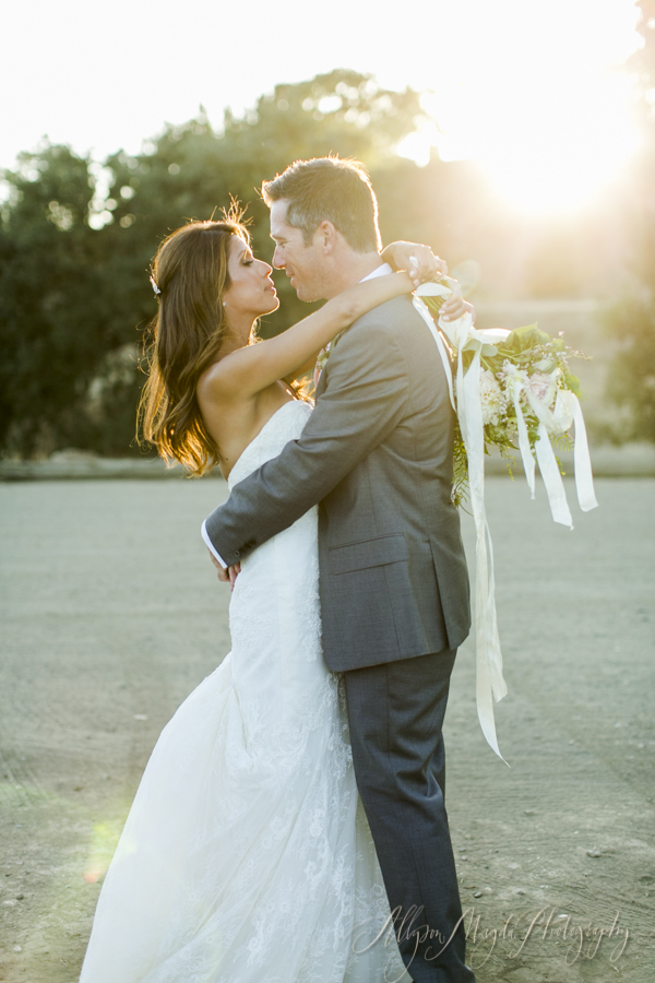 sunstone-winery-wedding-couple