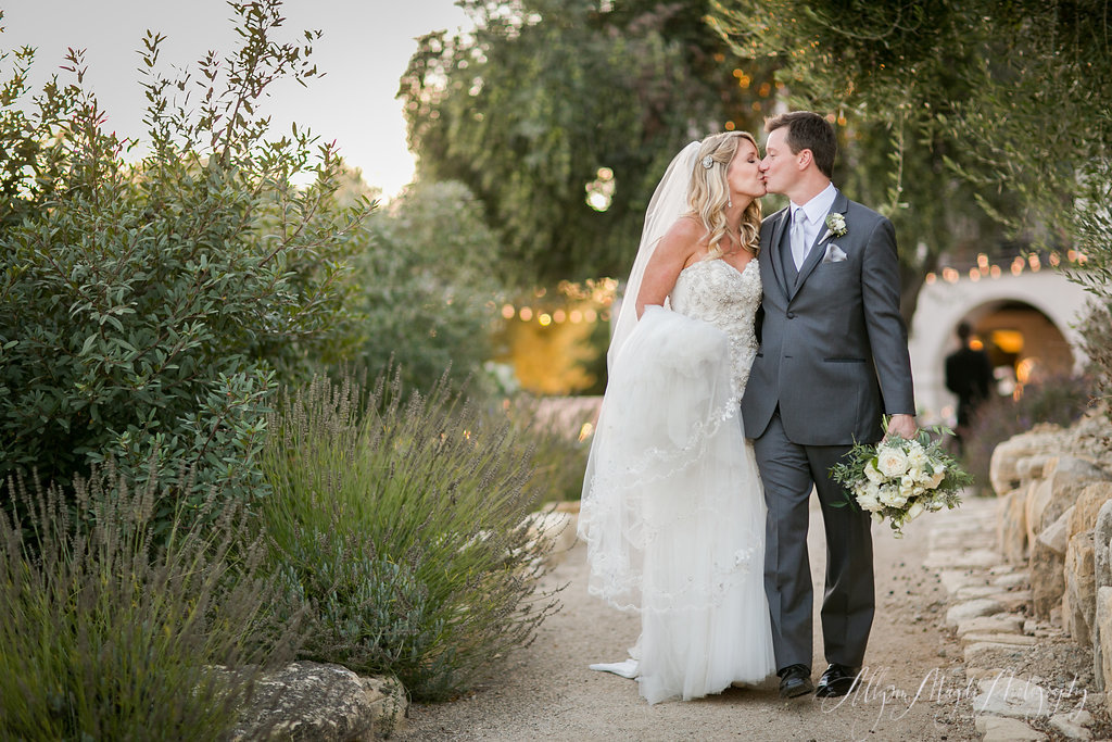bride and groom, Croad winery, Paso Robles