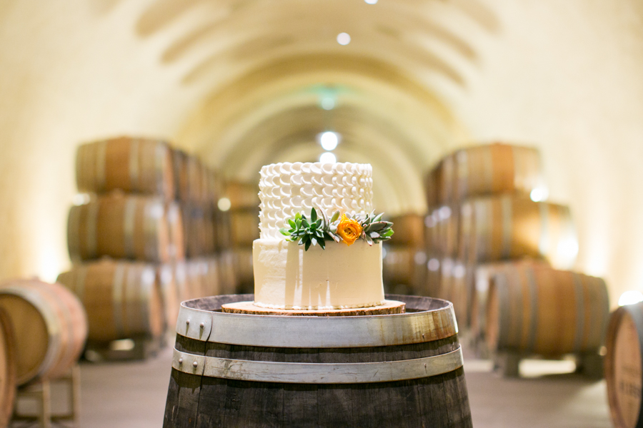 presqu'ile winery wedding cake