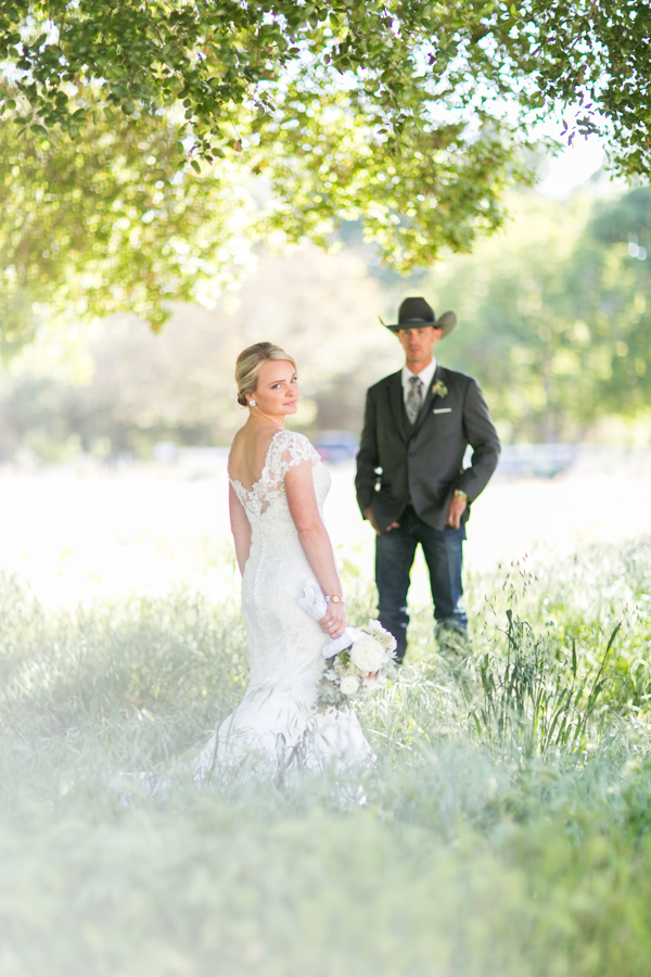 halter ranch wedding bride and groom, paso robles